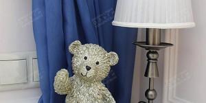 Медвежонок в спальне