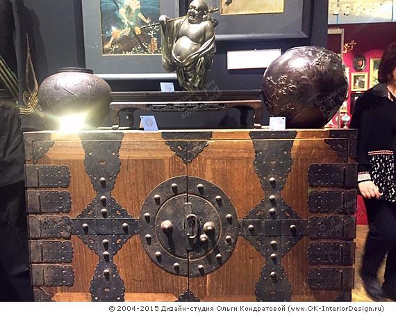 Предметы восточного искусства на выставке